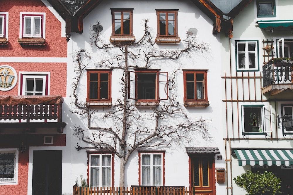 A arquitetura de conto de fadas da cidade de Hallstatt, na Áustria.