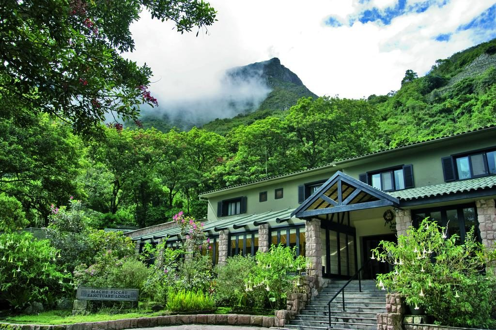 Entrada do hotel de luxo em Machu Picchu Belmond Sanctuary Lodge