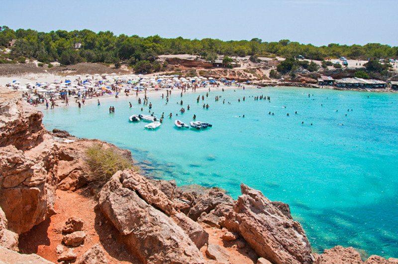 Cala Saona, na Ilha de Formentera na Espanha seguro viagem para Espanha