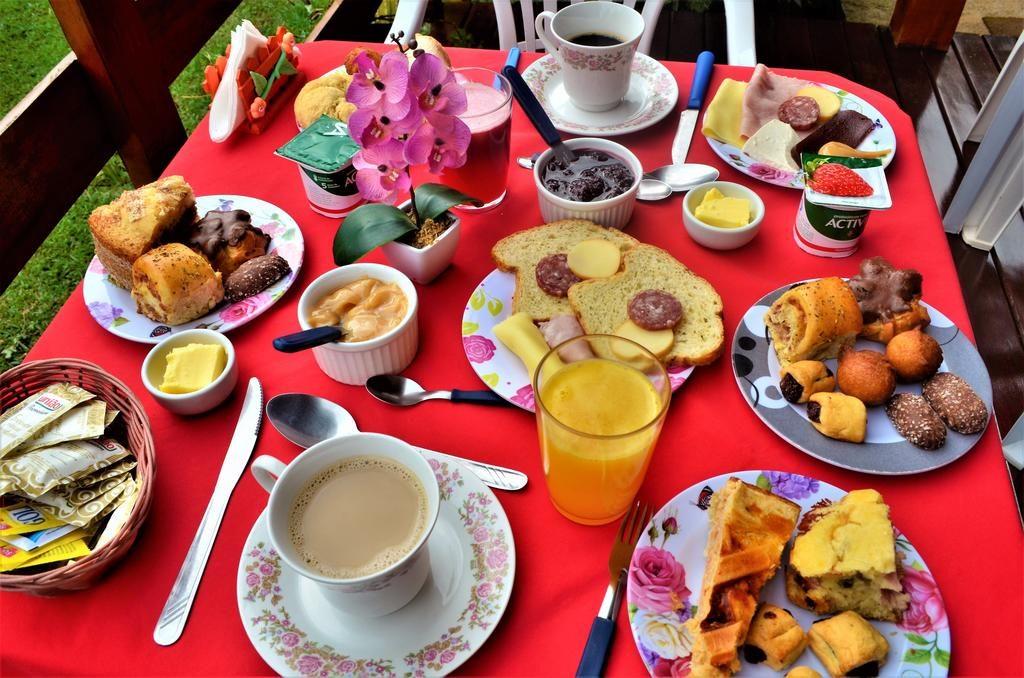 Café da manhã no Chalé Fazenda da Mata