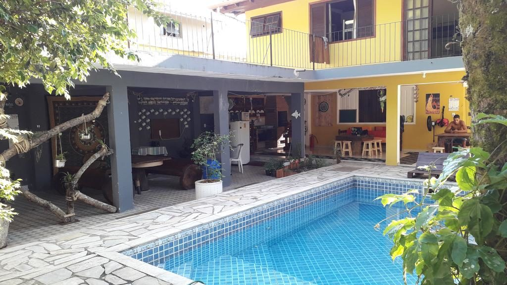 Piscina do El Jardim Hostel em Paraty RJ