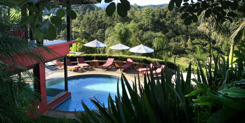 Piscina na Mauá Brasil Hotelaria - pousadas em visconde de maua - pousadas em visconde de maua