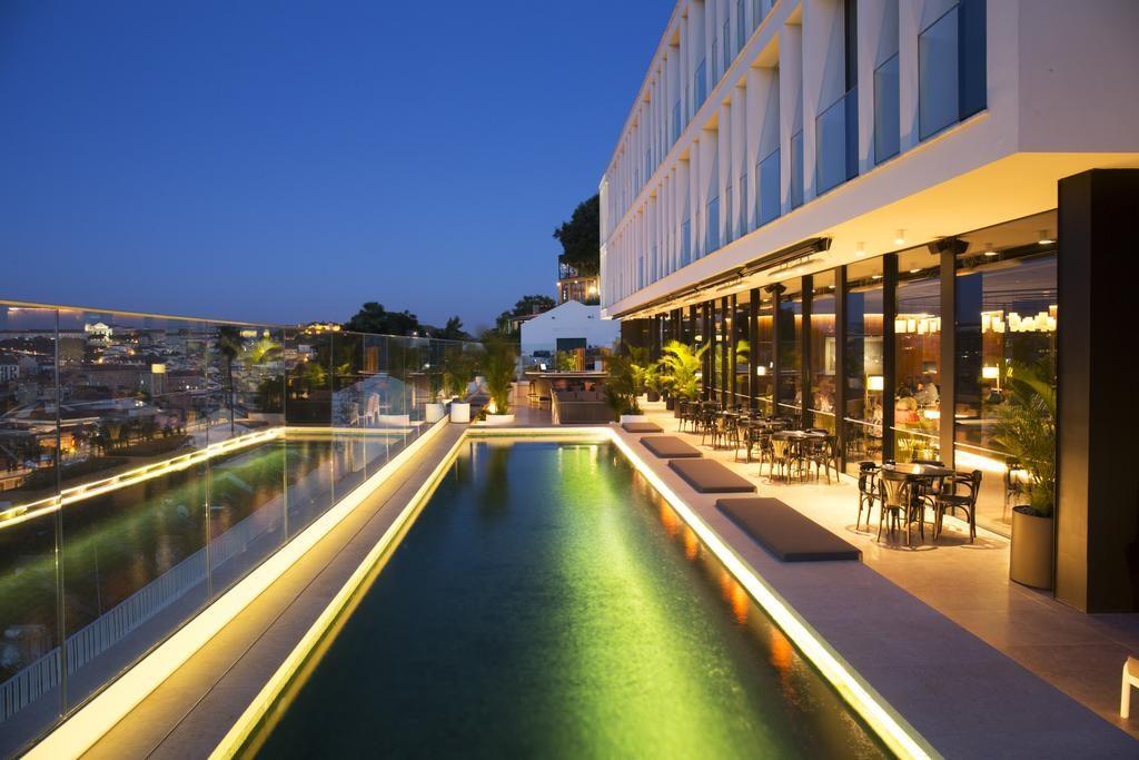 Piscina com vista no Hotel Memmo