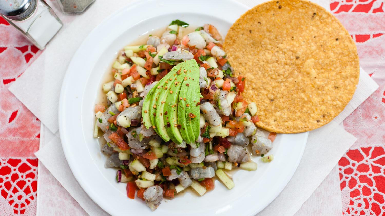 Foto de prato de ceviche de camarão