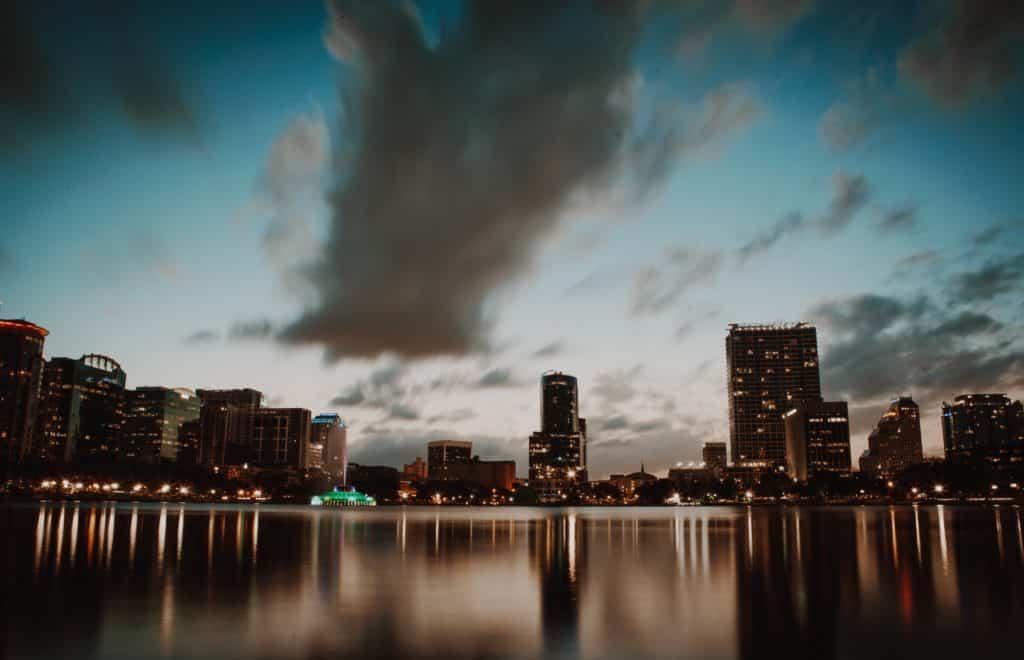 Foto panorâmica da cidade de Orlando, nos EUA