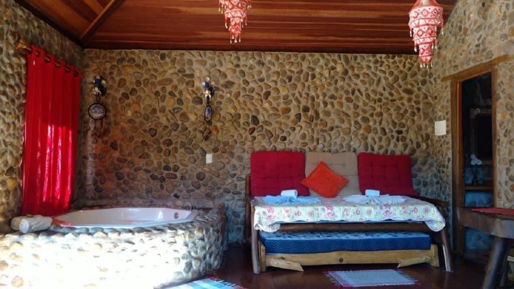 Quarto de casal com hidromassagem Pousada Casa Fazenda do Rio
