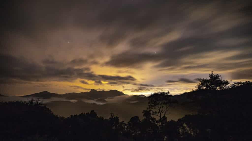 Linda vista ao anoitecer - Foto: Adilson Marques via Flickr - Pousadas em Visconde de Maua