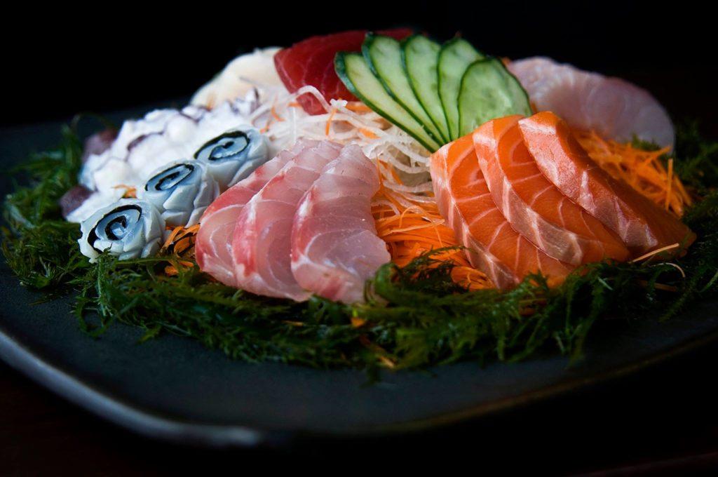 Prato de sashimis e sushis do Maido, restaurante onde comer em Lima Peru