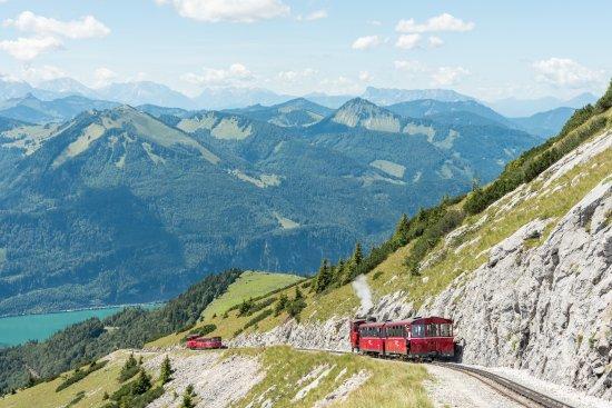O Schafbergbahn, passeio de trem com essa linda vista