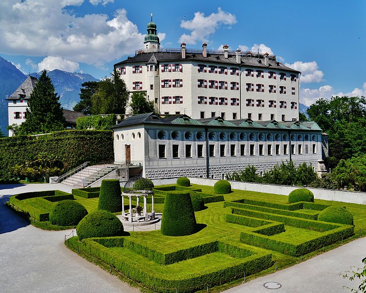 O Palácio Schloss Ambras em Innsbruck - Foto: Commons Wikimedia