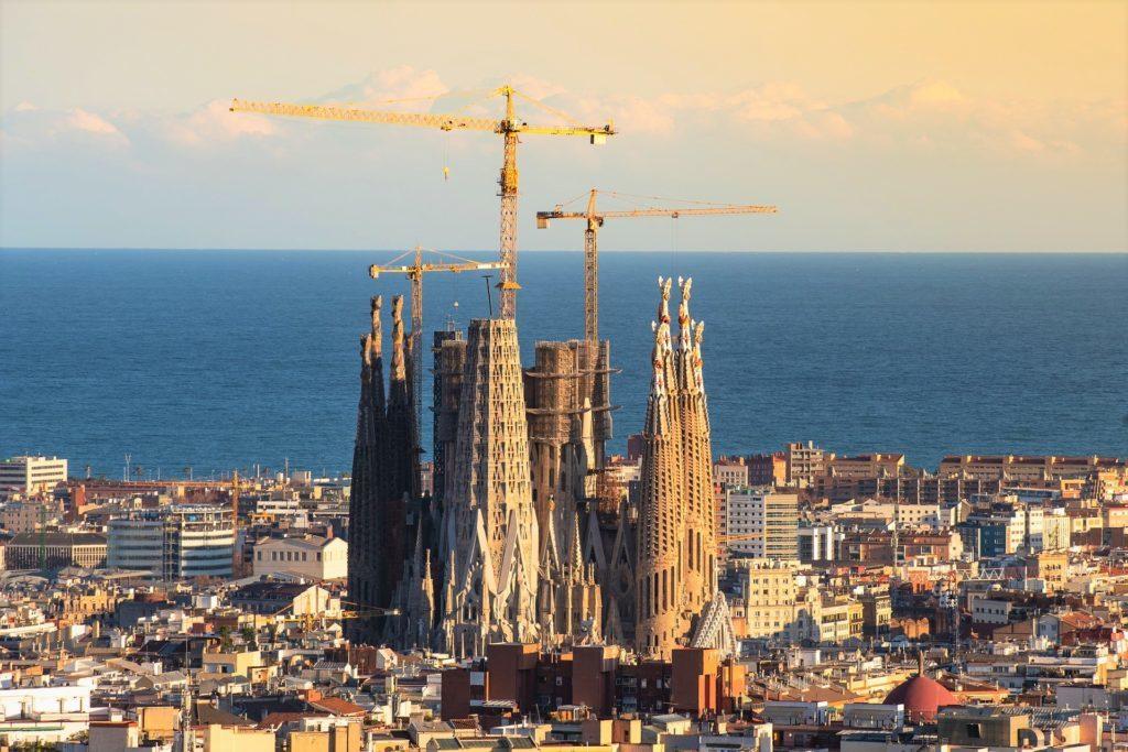 A Sagrada Família, um dos principais pontos turísticos de Barcelona na Espanha