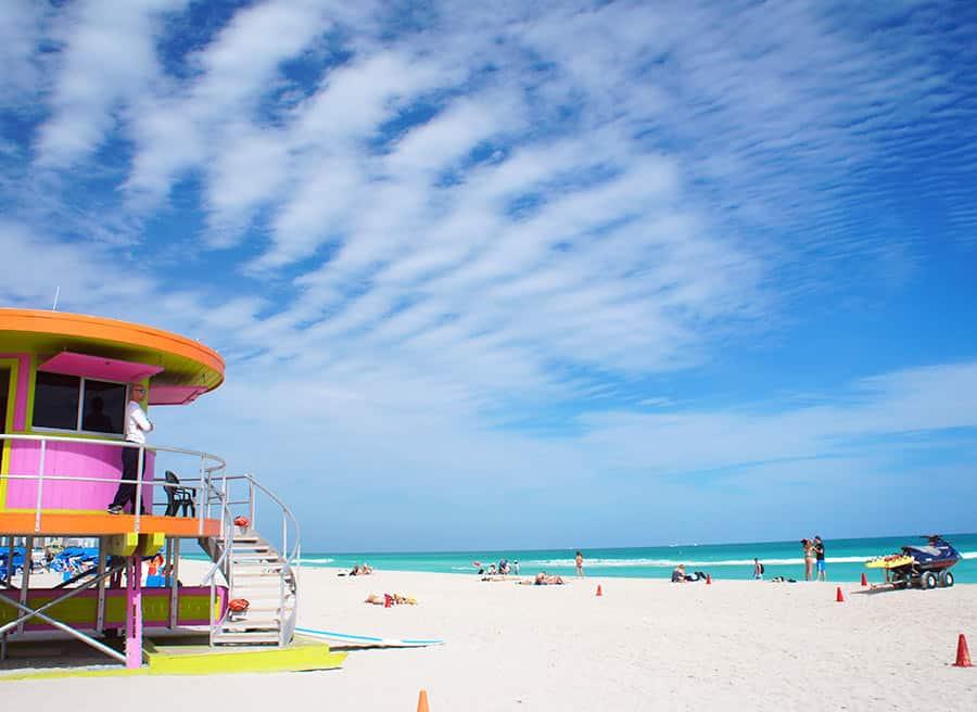 A praia de South Beach em Miami, uma das melhores regiões de hotéis em Miami
