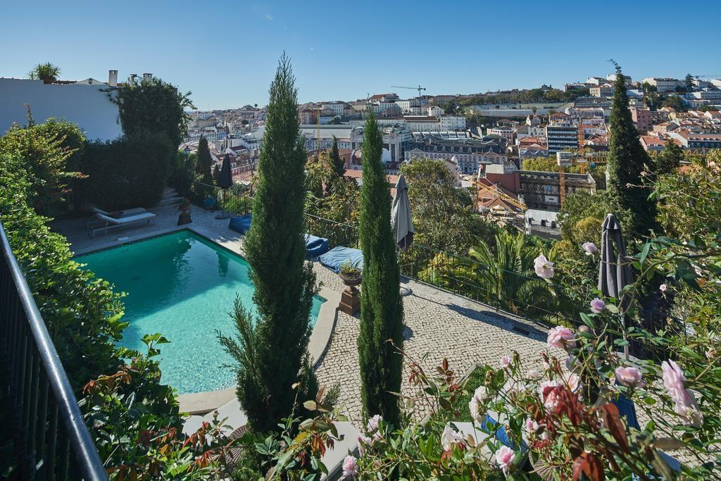 Piscina com vista no Torel Palace em Lisboa