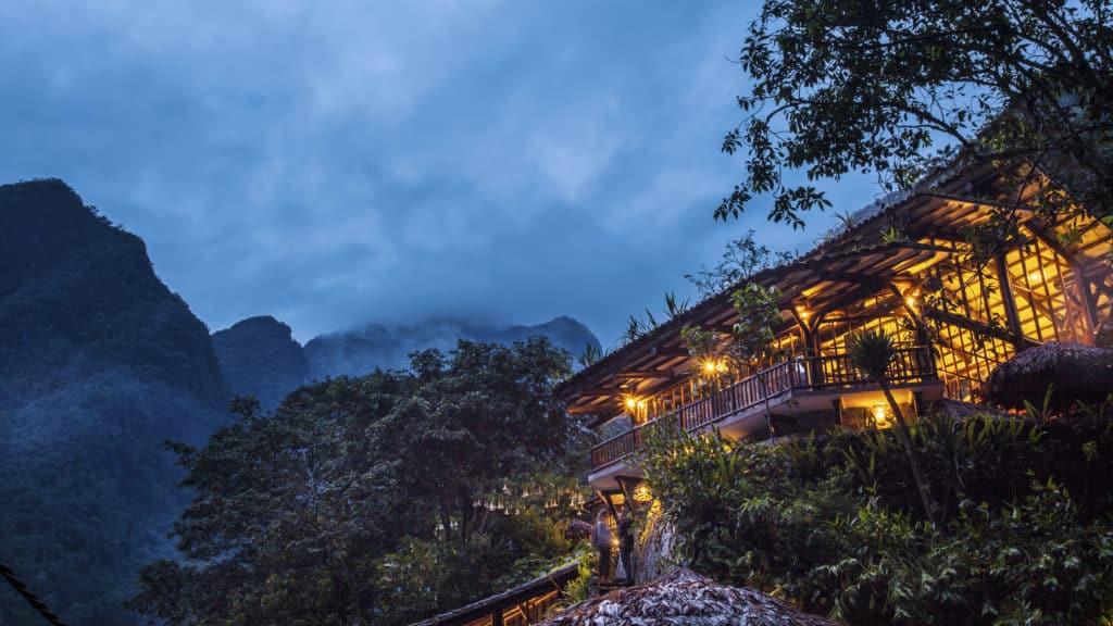 Vista do restaurante do Inkaterra, em meio à floresta andina
