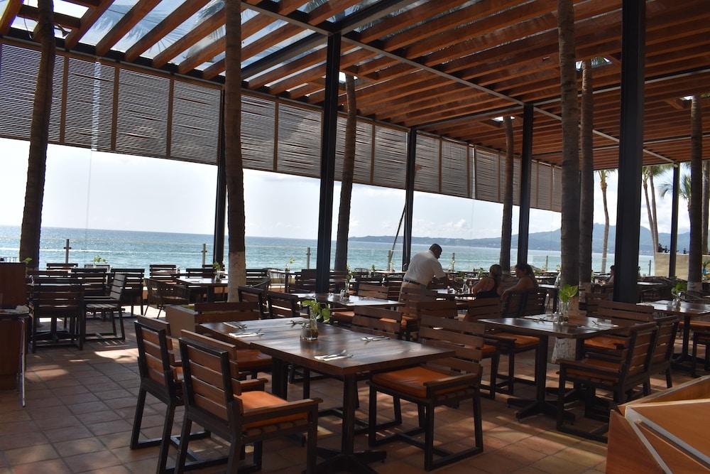 Reflect Krystal Nuevo Vallarta Resort