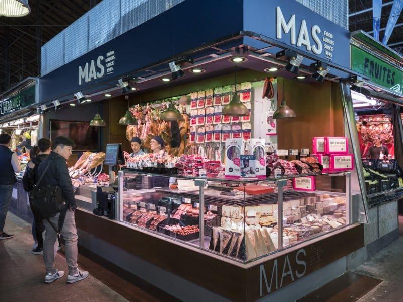 Estande MAS, com o melhor em azeites, queijos e frios no mercado catalão.