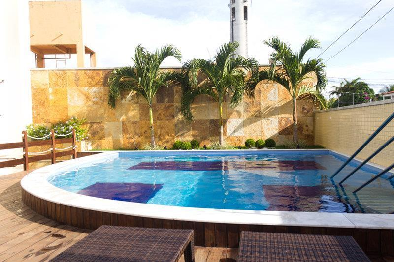 Piscina no Best Western Premier Majestic