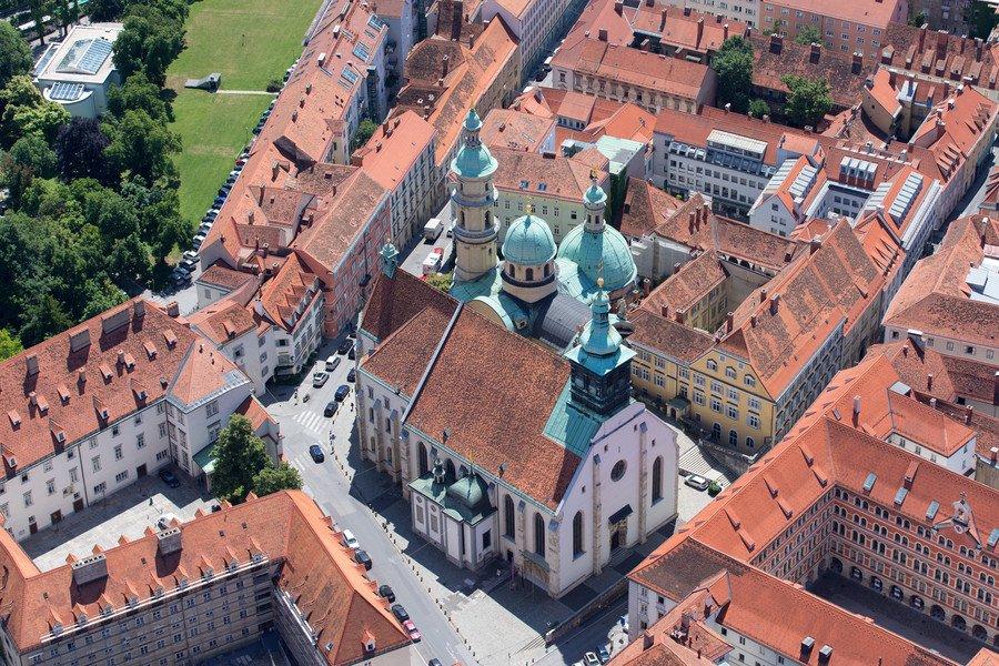 A Catedral de Graz vista de cima - Foto: Graz Turism
