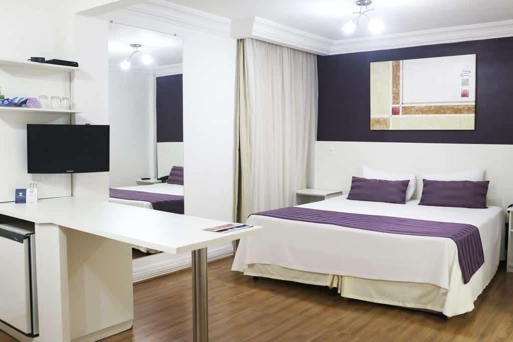 Quarto de casal no Hotel Century Paulista