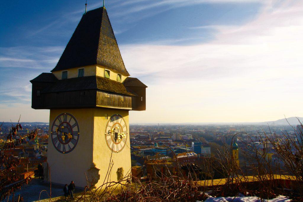 A Torre do Relógio e sua vista na Schlossberg - Foto: Pxhere