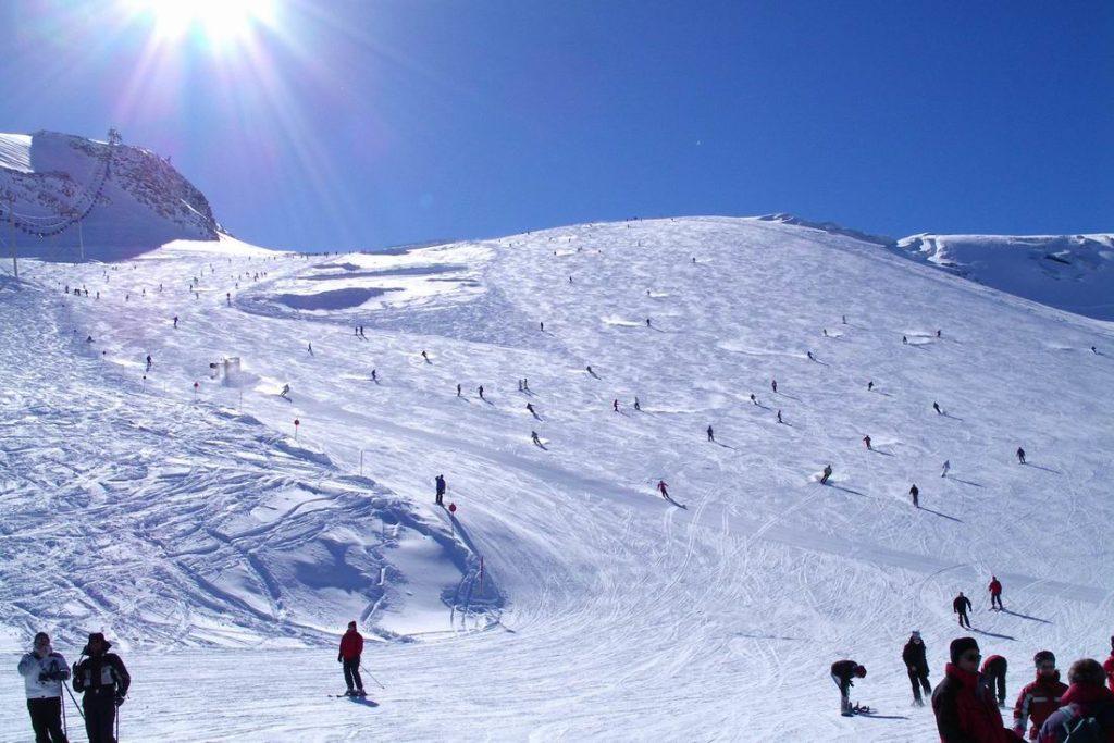 A Hintertuxer Glacier em Zillertal, uma das opções para quem quer esquiar na região de Innsbruck