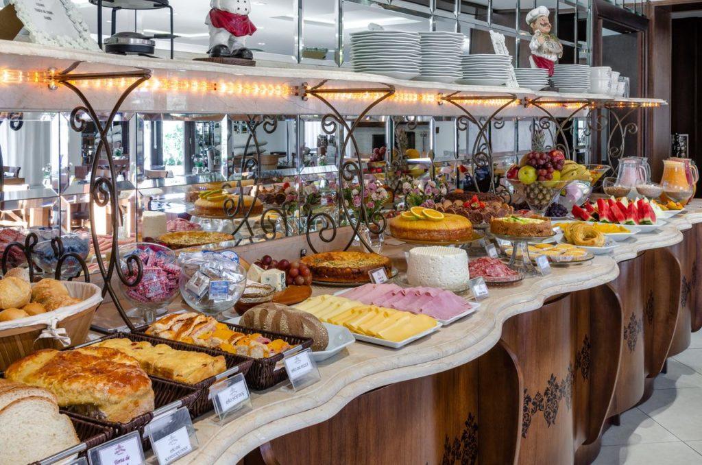 café da manhã no Villa D'Biagy Premium