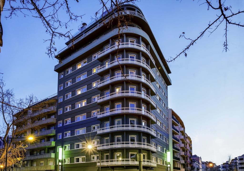Foto de edifício onde funciona o hotel Ibis Styles Liberdade