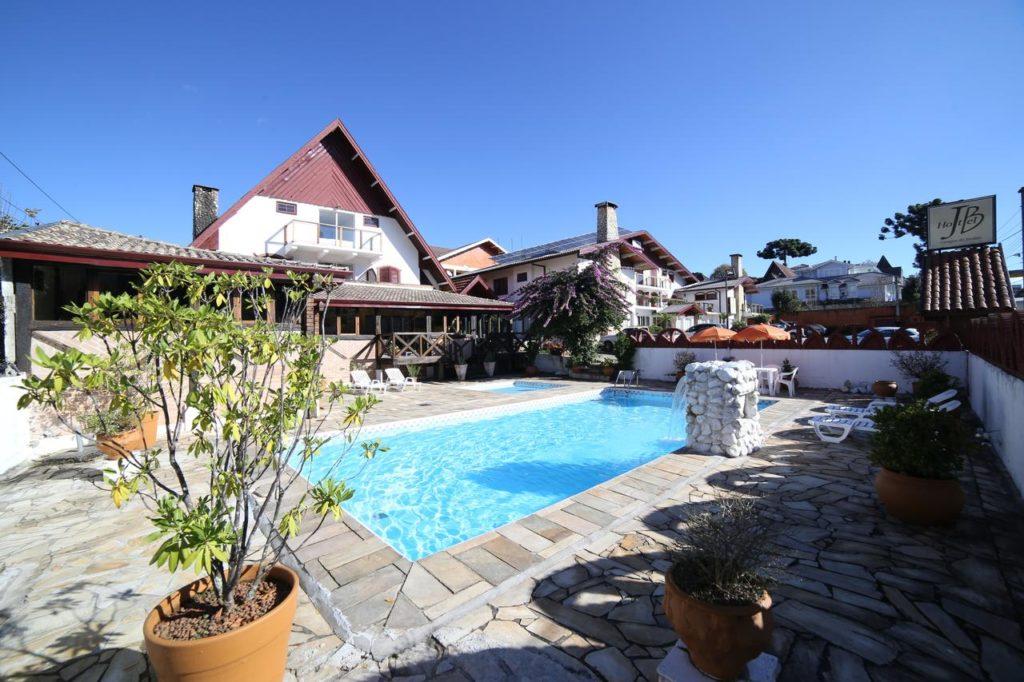 O JB Hotel é uma opção mais em conta para se hospedar em Campos