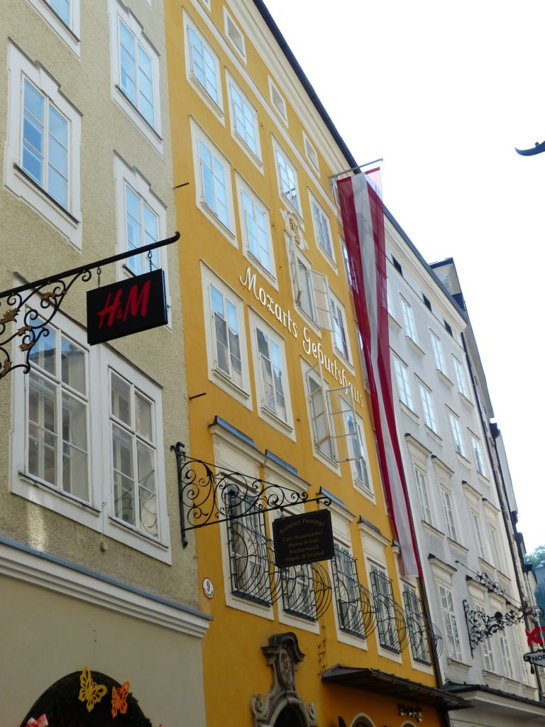 A casa onde Mozart nasceu, Mozarts Geburtshaus em Salzburg Austria
