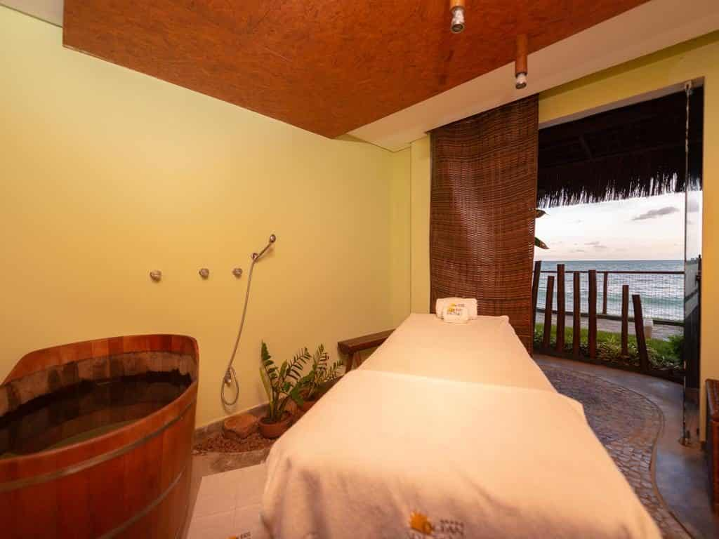 Spa no Ocean Palace Beach Resort & Bungalows com vista para o mar