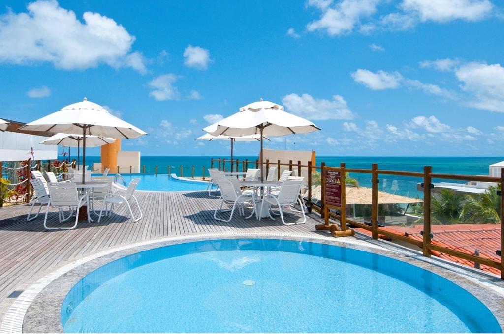 Piscina com vista no Pontalmar Praia Hotel