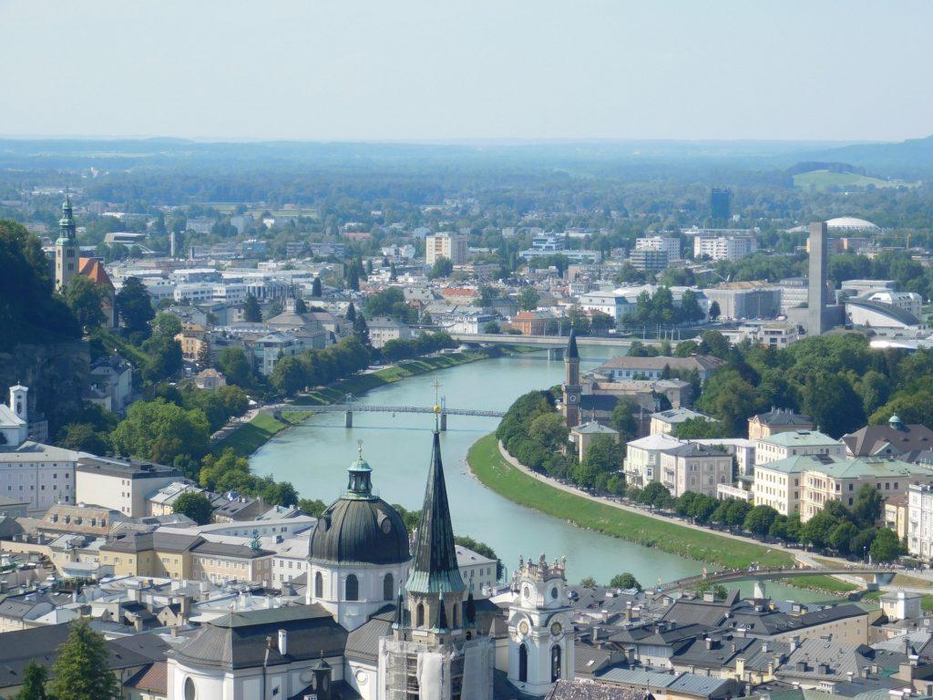 A cidade de Salzburg Áustria vista de cima