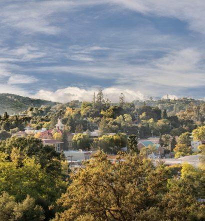 Vista aérea de Tuolumne County, na Califórnia