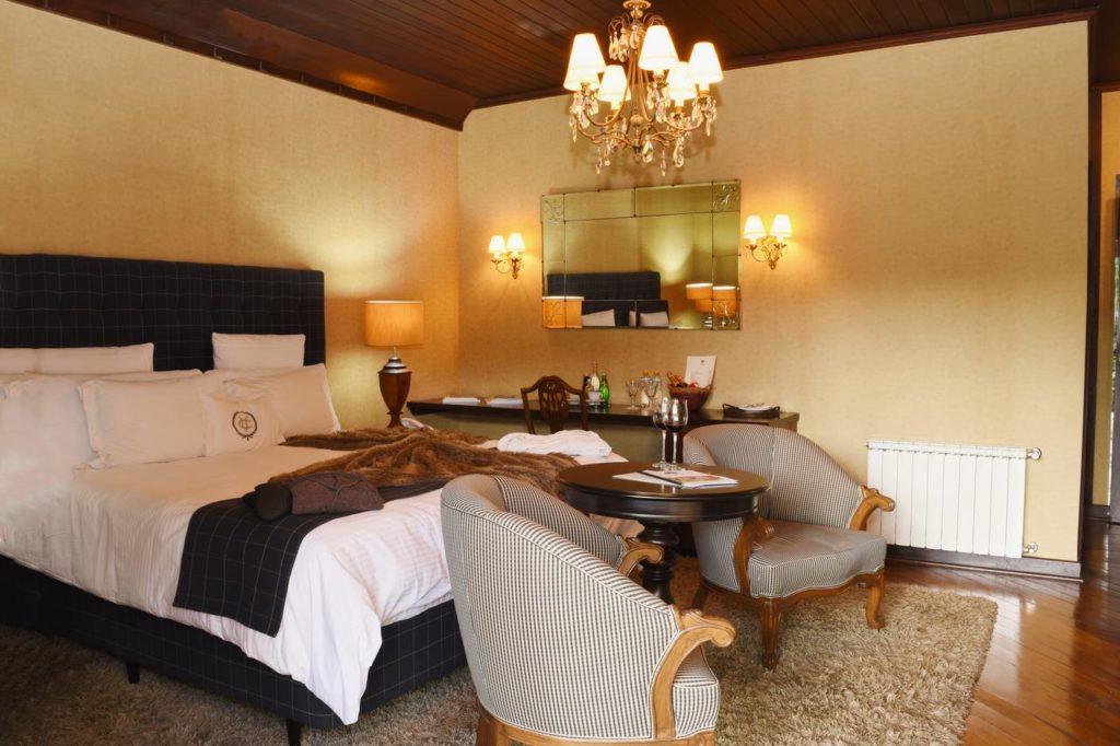 Quarto do hotel villa casato em campos do jordao