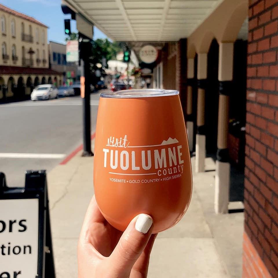 Foto de copo turístico de Tuolumne, chamando para visitar o local