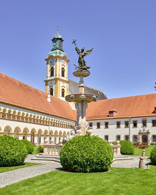 O mosteiro agostiniano Reichersberg, nos arredores de Linz