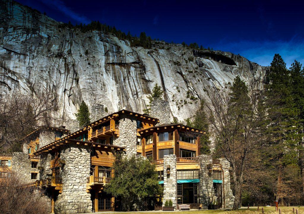 Foto do Ahwahnee Hotel, uma opção de hospedagem no parque