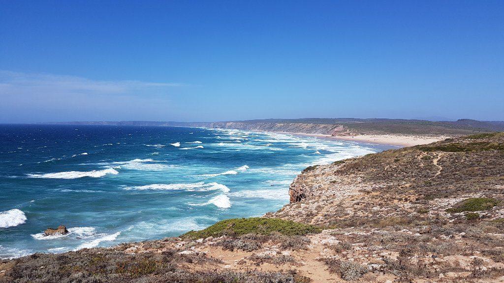 Uma das praias do Parque Natural do Sudoeste Alentejano em Portugal