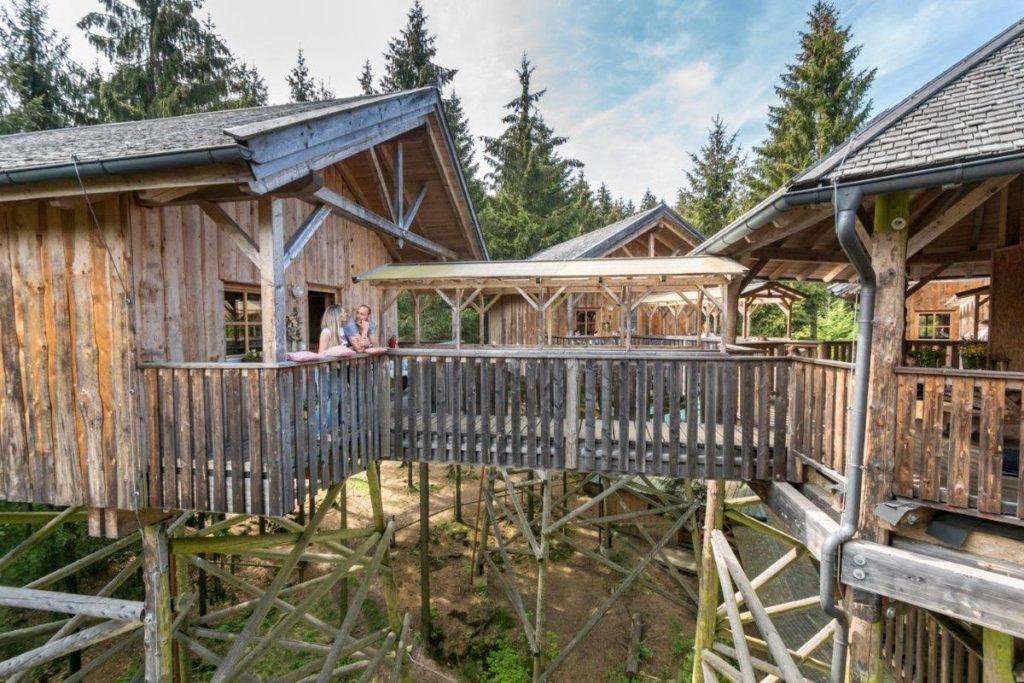 "O hotel ""casa na árvore""do Baumkronenweg"