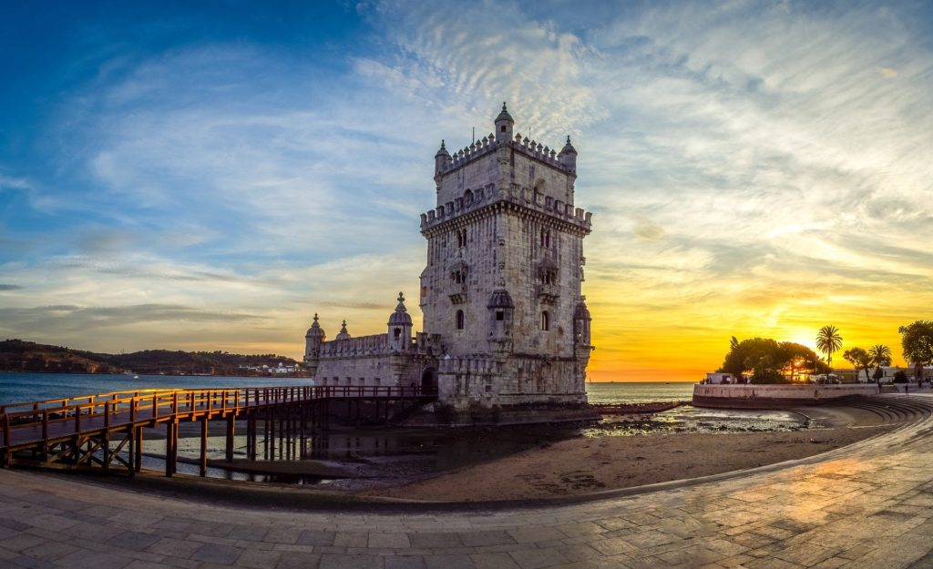 A Torre de Belém um dos principais pontos turísticos de Lisboa em Portugal