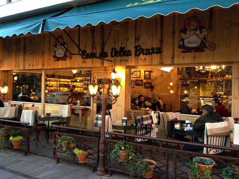 O café Casa da Velha Bruxa, vale a pena conhecer esse charmoso lugar - Pontos turisticos Gramado