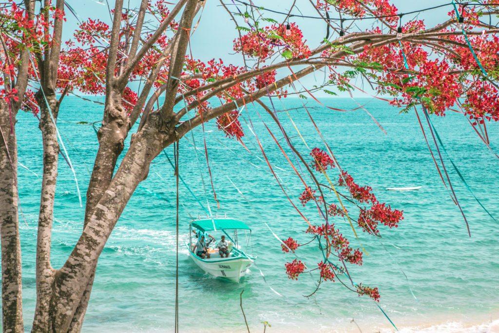 A praia vista das Casitas Maraika