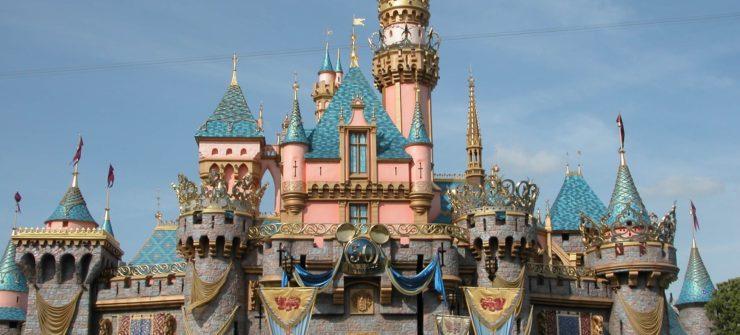 O castelo da Bela Adormecida na Disney da Califórnia