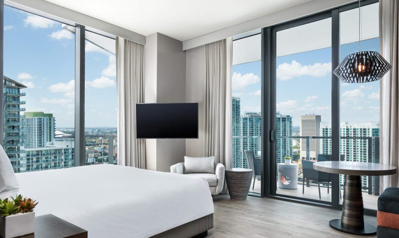 suite corner king do hotel east miami