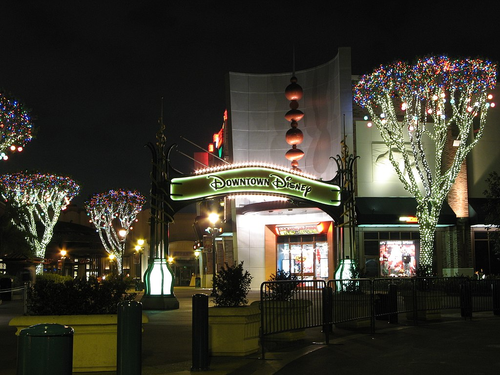 Foto de entrada da Downtown Disney, na California