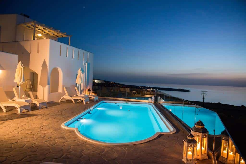 Piscina do do Dreamland Ηouses - Onde ficar em Santorini