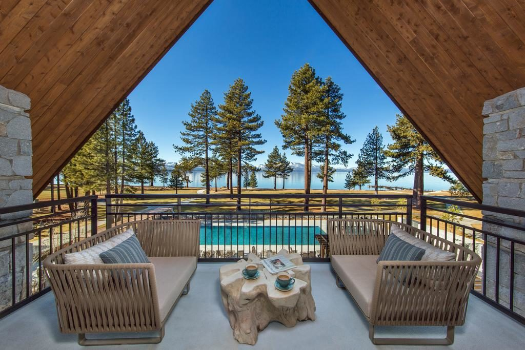 Foto da vista da sacada do hotel Edgwood Tahoe Resort, em Lake Tahoe