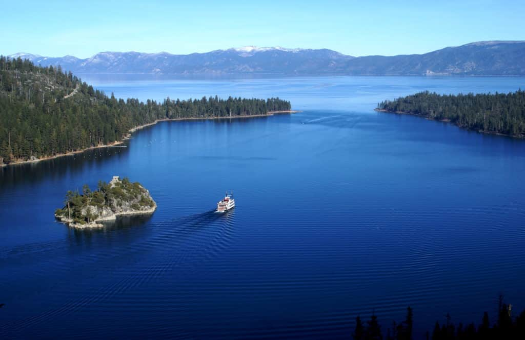 Emerald Bay, uma das lindas vista de South Lake Tahoe - Foto: ClatieK via Flickr