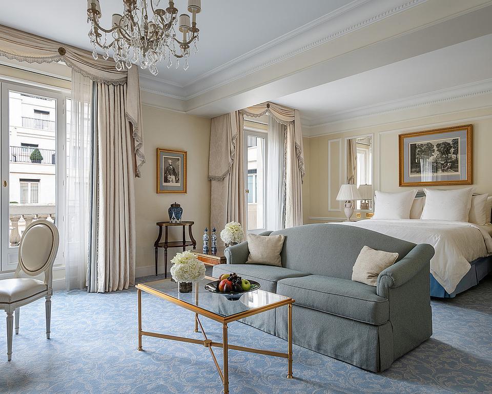 Quarto para lua de mel Four Seasons Hotel George V Paris