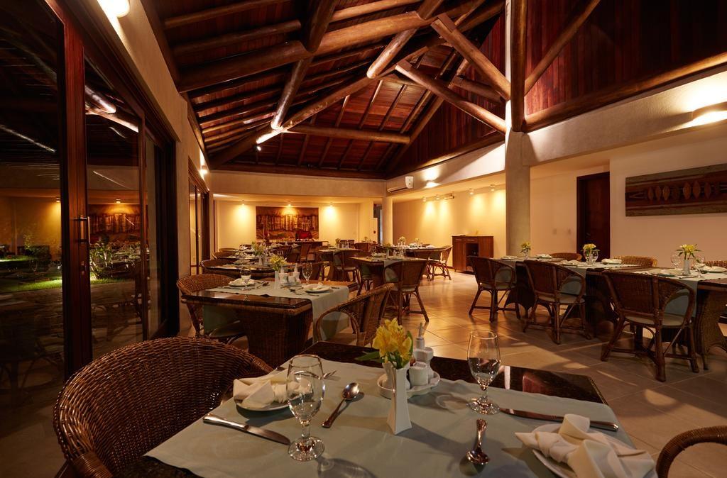 Restaurante do Gungaporanga Hotel  em Barra de São Miguel